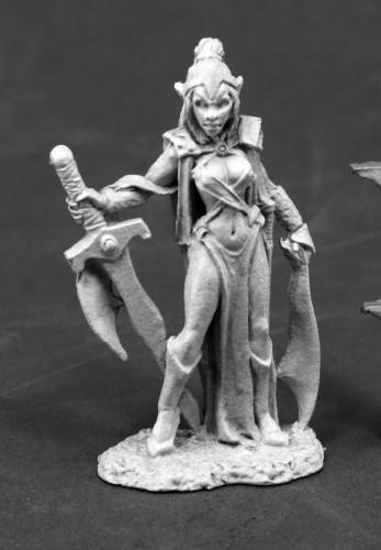 Reaper Miniatures Female Vampire 3814