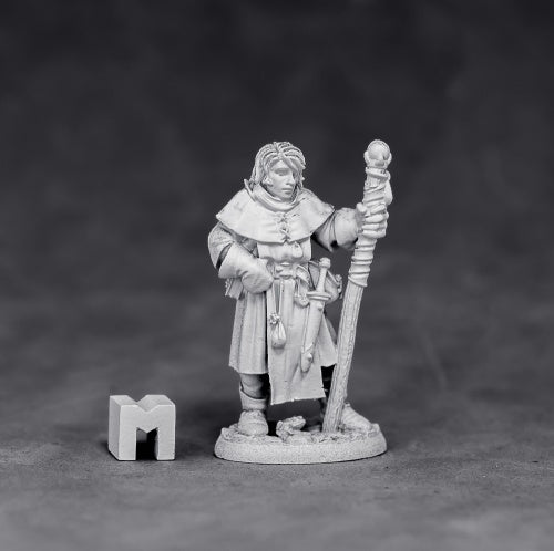 Alec, Young Mage 3881 dnd miniature