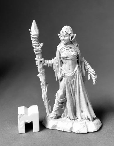 Reaper Miniatures Tianalise, Bog Witch 3895