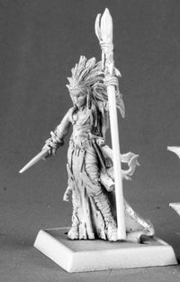 Reaper Miniatures Dark Elf Sorceress 14590