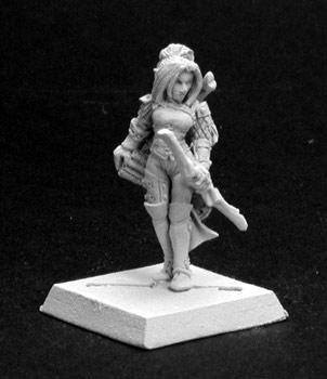 Reaper Miniatures Caerwynn Female Elf Fighter 14116