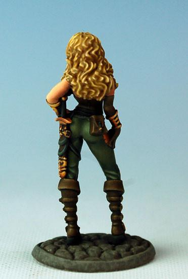 Dark Sword Miniatures Dsm7307 Female Assassin No Cloak
