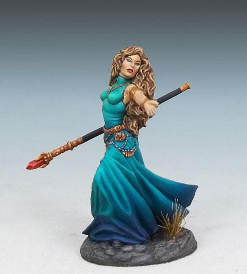 Dark Sword Miniatures DSM7308 Female Mage