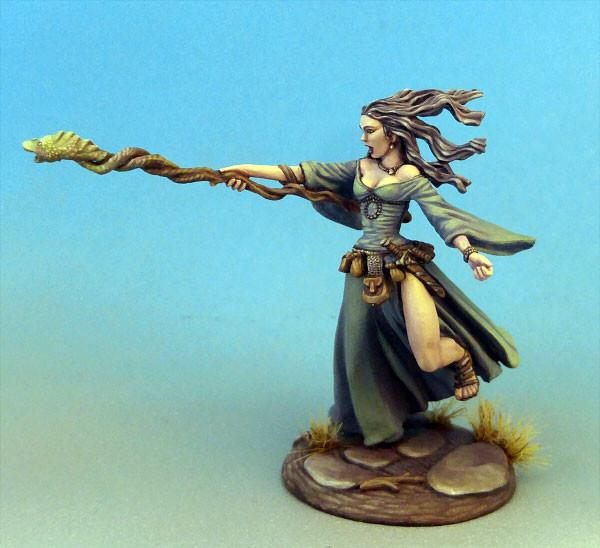 Dark Sword Miniatures Dsm7312 Female Mage With Staff