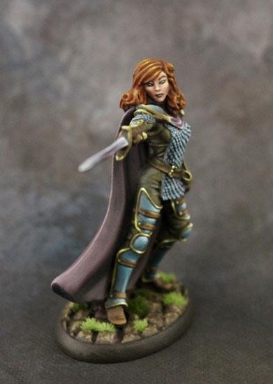 Dark Sword Miniatures (DSM7323 Female Cavalier With Long Sword) .