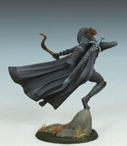 DSM7438 Female Rogue With Bow