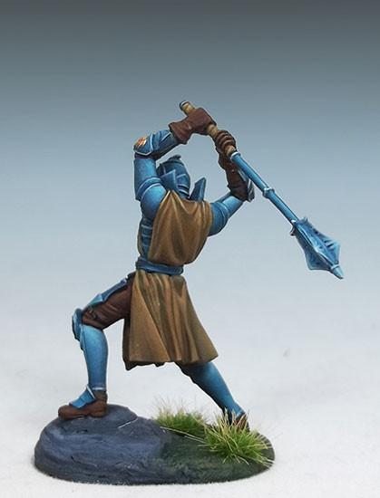 DSM7447 Male Cleric With 2 Handed Mace