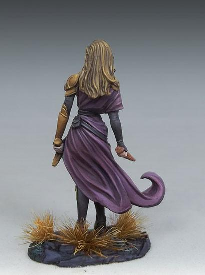 DSM7448 Female Warrior Mage
