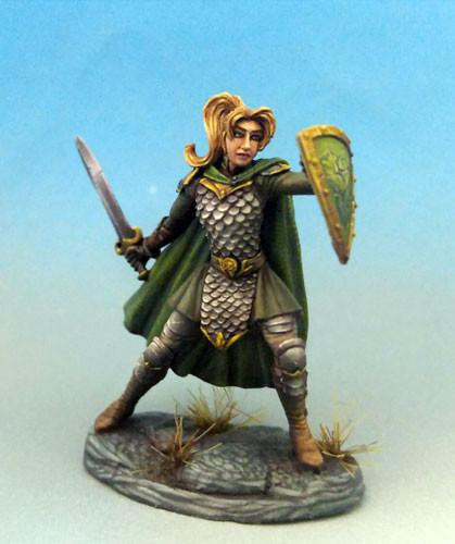 Dark Sword Miniatures DSM7463 Female Warrior