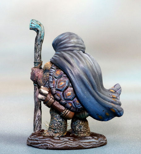 Tortoise-Folk Mage miniature 4