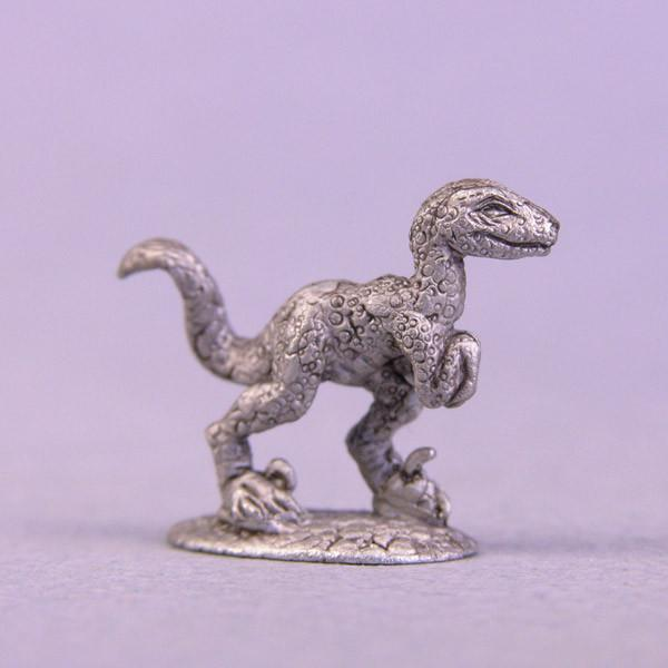 Bombshell Sidekicks Miniatures Raptor Hatchling
