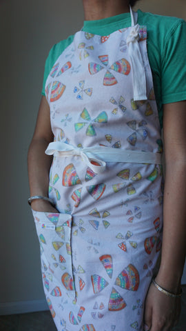 Pinwheels Full Craft Apron w/ pockets - Logically Unique