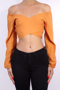 The 70s Off Shoulder Crop