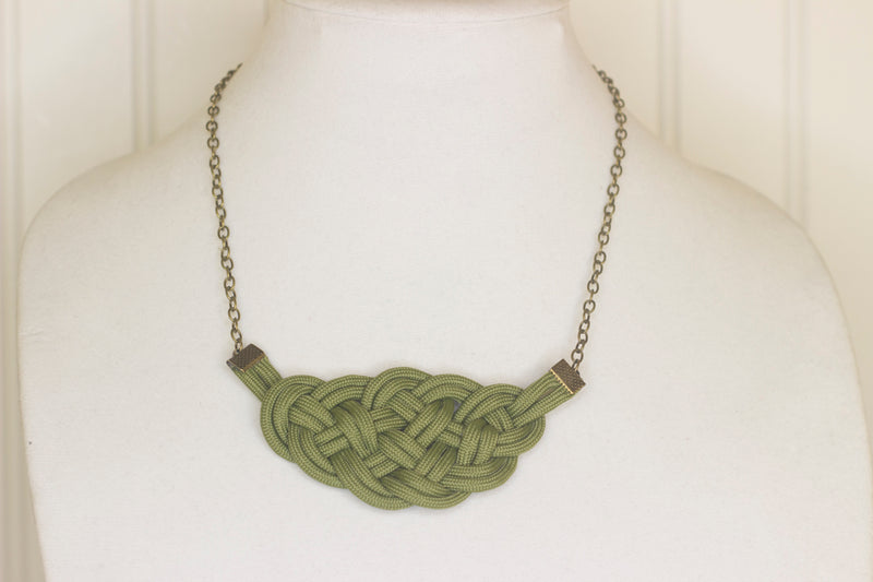 Moss green knotted necklace
