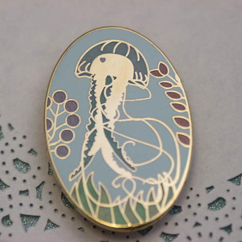 Glass Jellyfish pin - front