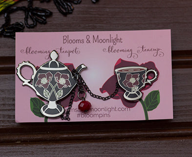 Blooming Tea Set in Lenten Rose