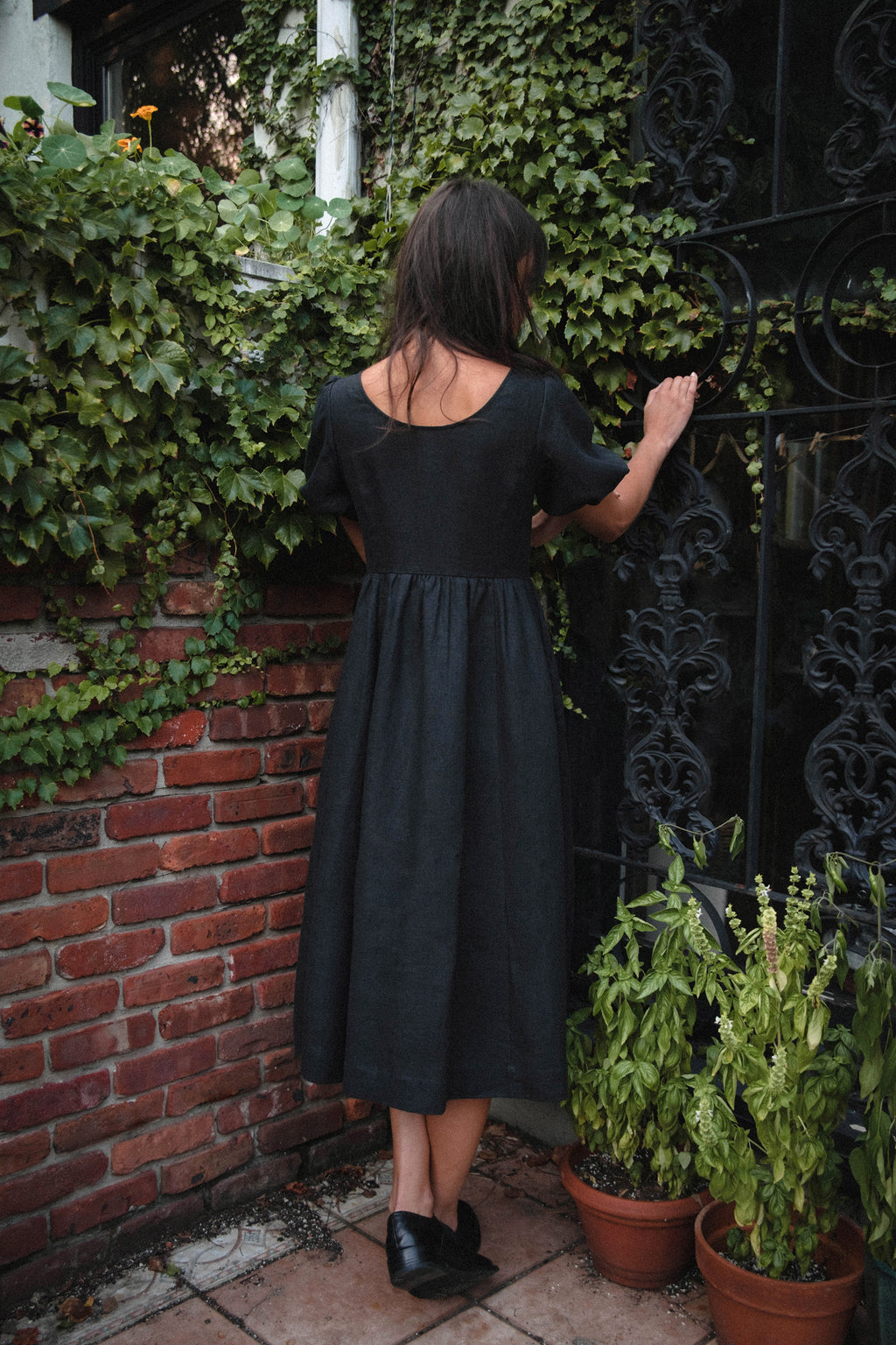 Maeve Dress in Black Linen
