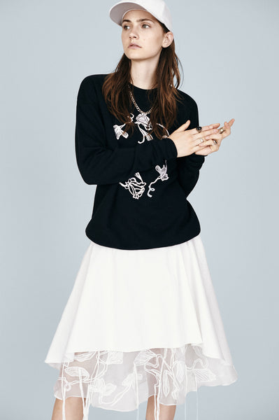 Floral Circle Embroidered Sweatshirt