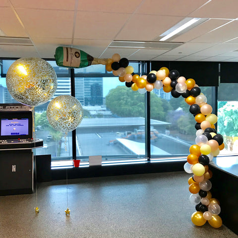 Flowing Champagne Feature Balloons Brisbane