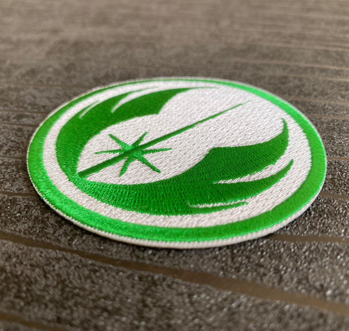 Star Wars Jedi Order Embroidered Iron on Patch (75mm) in Green and White