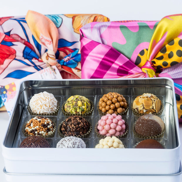 Mother's Day Collection 💐🎁 Furoshiki Gift Wrap + Tin with 12 Brigadeiros