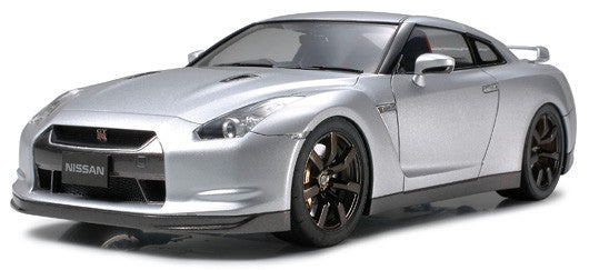 Nissan GT-R (1/24 Scale)