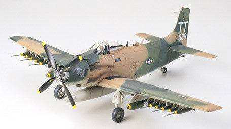 Douglas A-1J Skyraider™ U.S. Air Force (1/48 Scale)