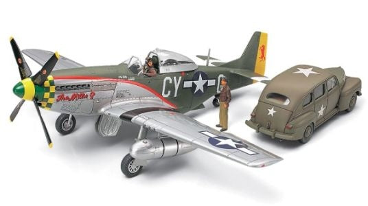 North American P-51D Mustang & Staff Car