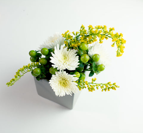 Sweet and Simple Flower Arrangements For Any Occasion