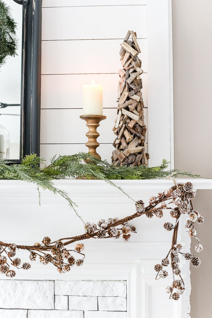 https://www.blesserhouse.com/2017/01/winter-mantel-and-living-room.html