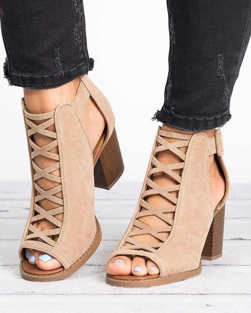 Chunky kitten Heels Buckled Sandals