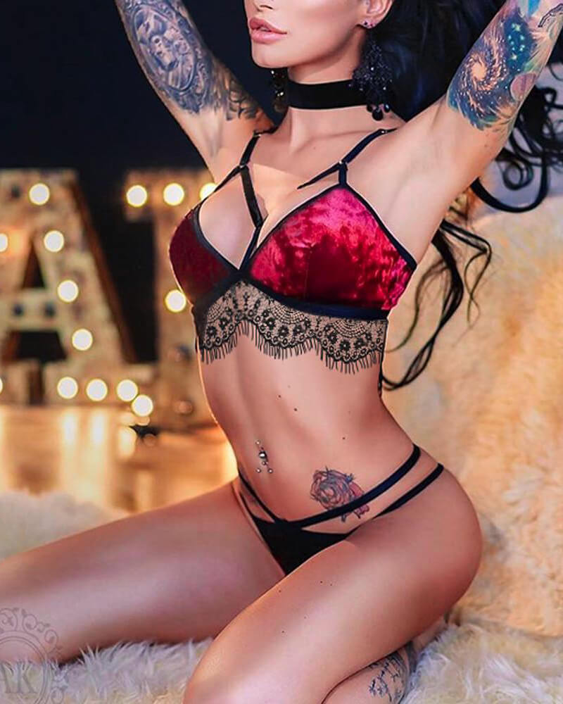 Velvet Lace Intimate Set