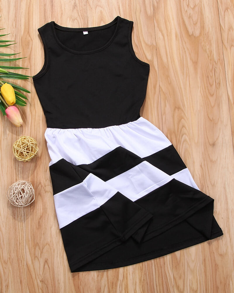 Sleeveless Black Matching Dress