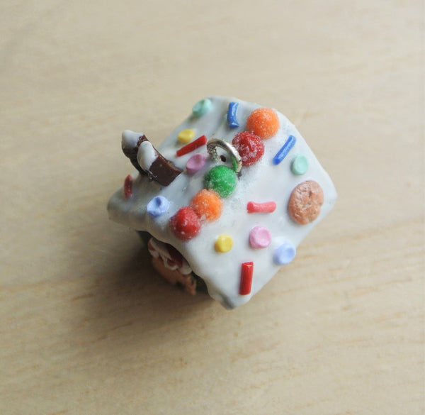 Chocolate Gingerbread Necklace - Gemnesis
