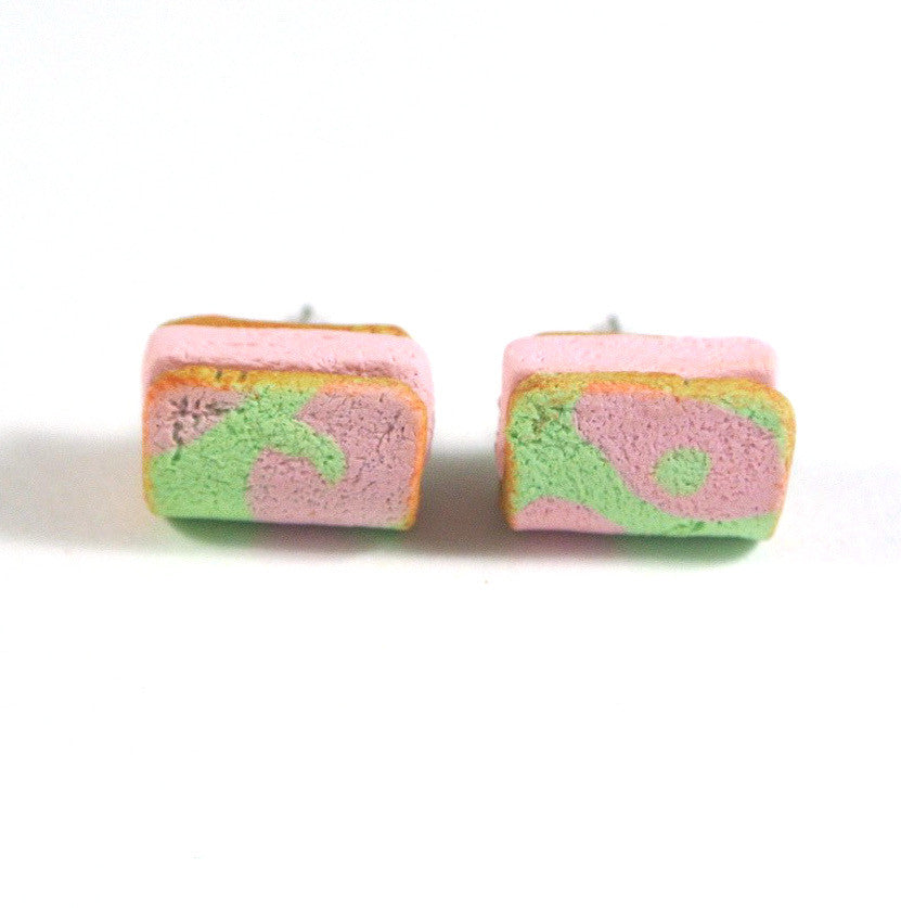 Strawberry Ice Cream Bread Ear Studs - Gemnesis