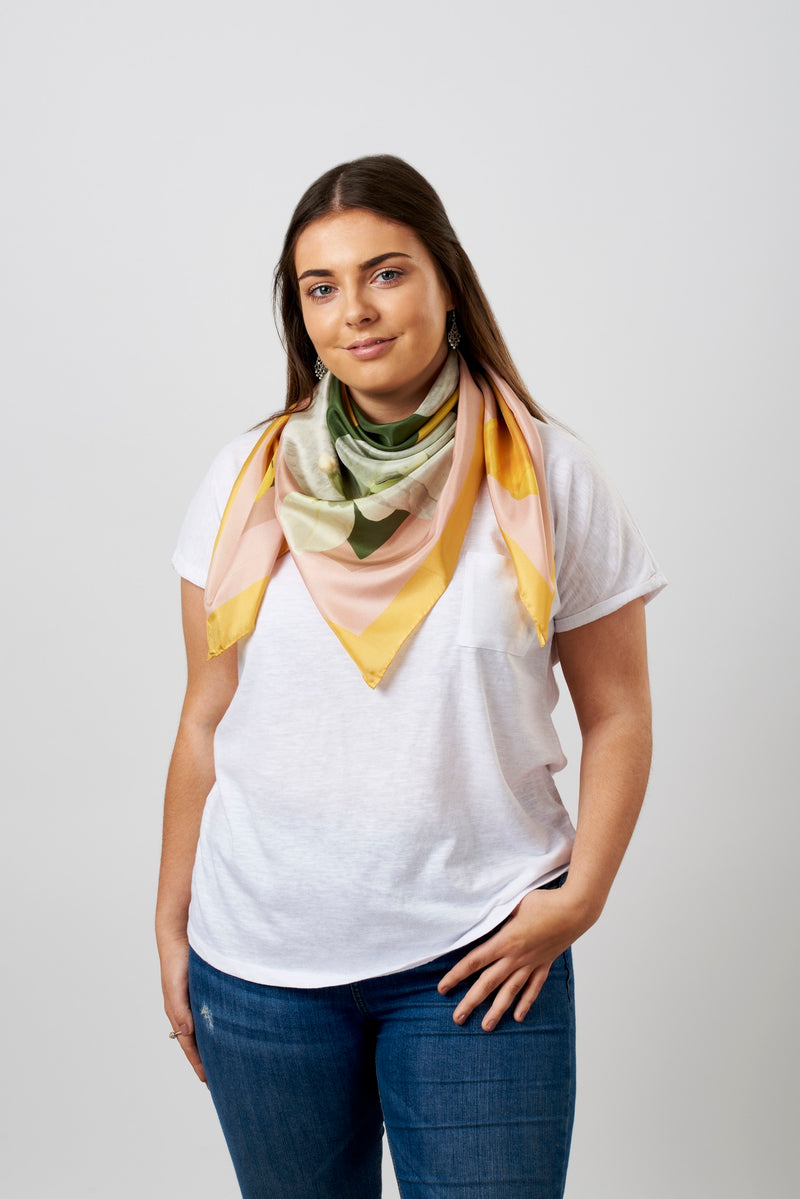 Trumpet flower square silk scarf