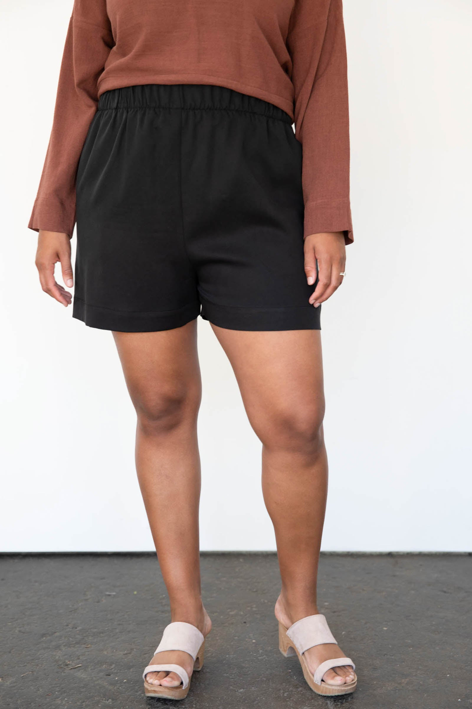 Cove Shorts in Tencel
