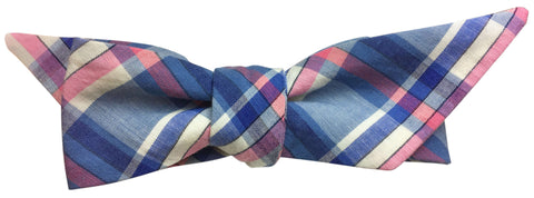An Example of a Wing Self-Tie Bow Tie