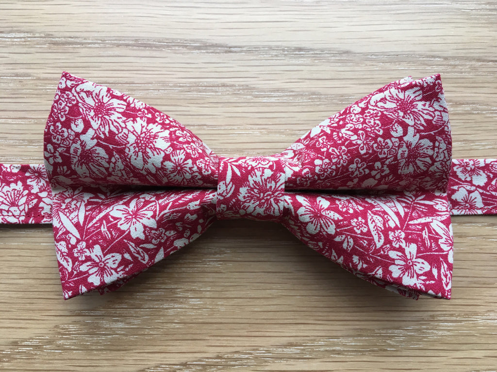 Red and Cream Floral Bow Tie