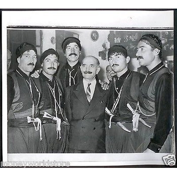 CYPRUS 1959 ORIGINAL PRESS PHOTO GRIVAS IN SUIT WITH LEADERS CRETE,EOKA,DIGENIS-moneyworld-store