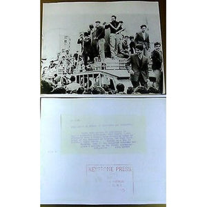 CYPRUS 1959 REAL OLD PHOTO 1000 PRISONERS RELEASED BY ORDER SIR HUGH FOOT *EOKA*-moneyworld-store