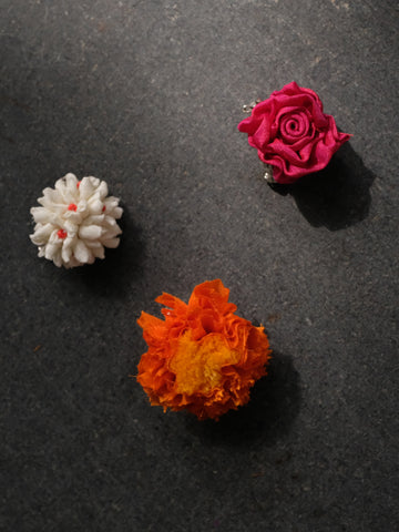 Assorted brooches - Set of 3