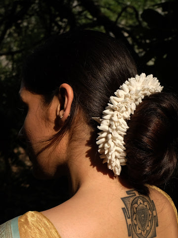 Off White Mogra Gajra Hair Ornament for heavy hair
