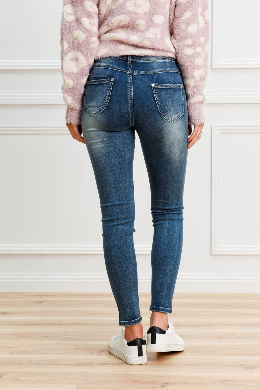 Amyra Pull Up Jean Jeans Gray.Label