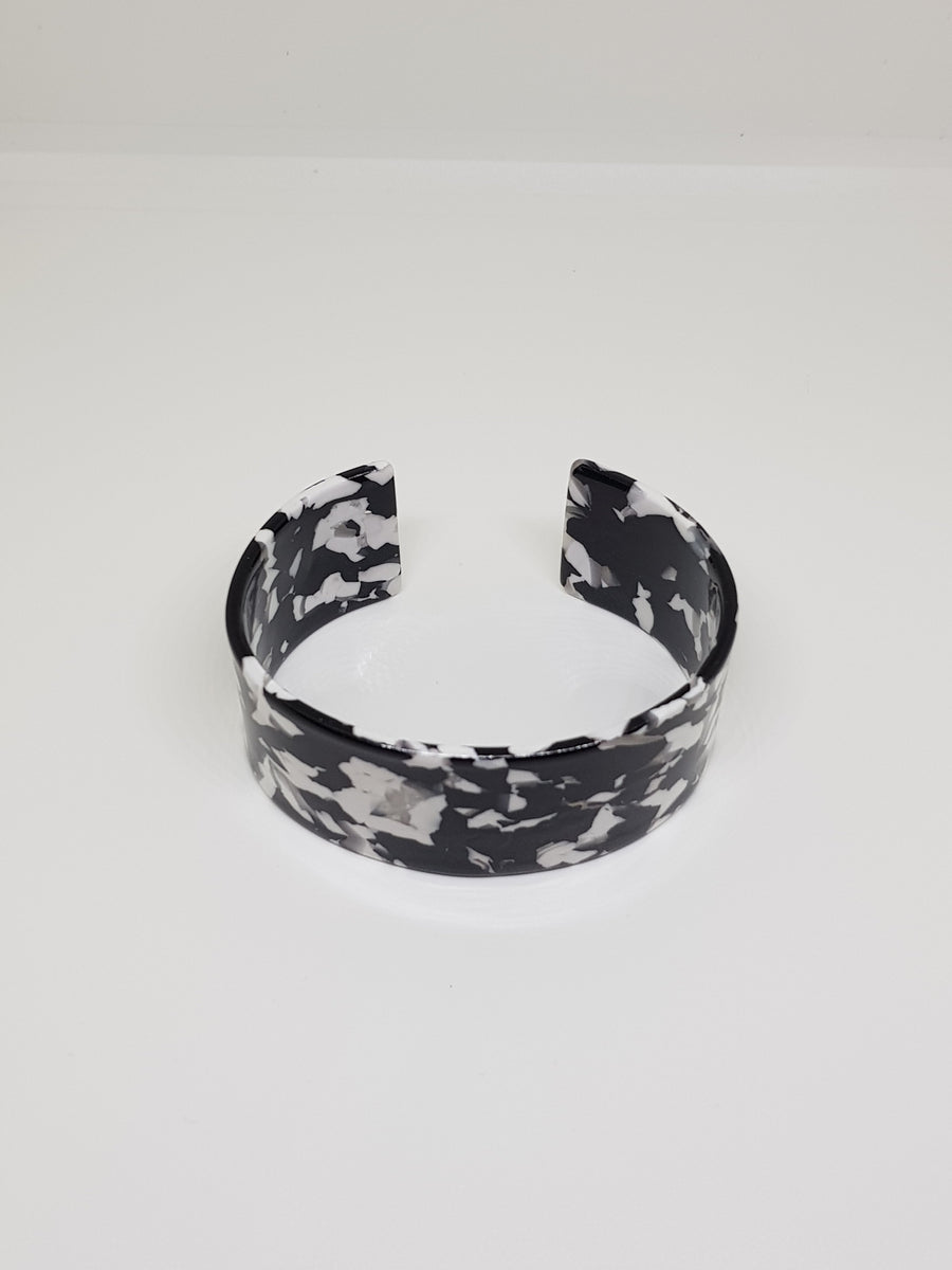 Bangle | Simone Black and White Bangle Linart Designs