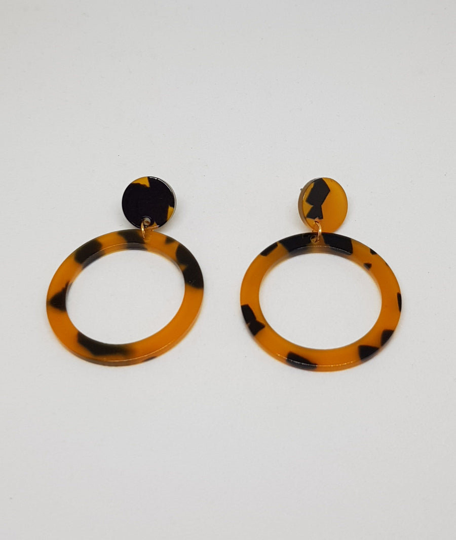 Dangles | Tortoiseshell Round - Dark Earrings Gray.Label