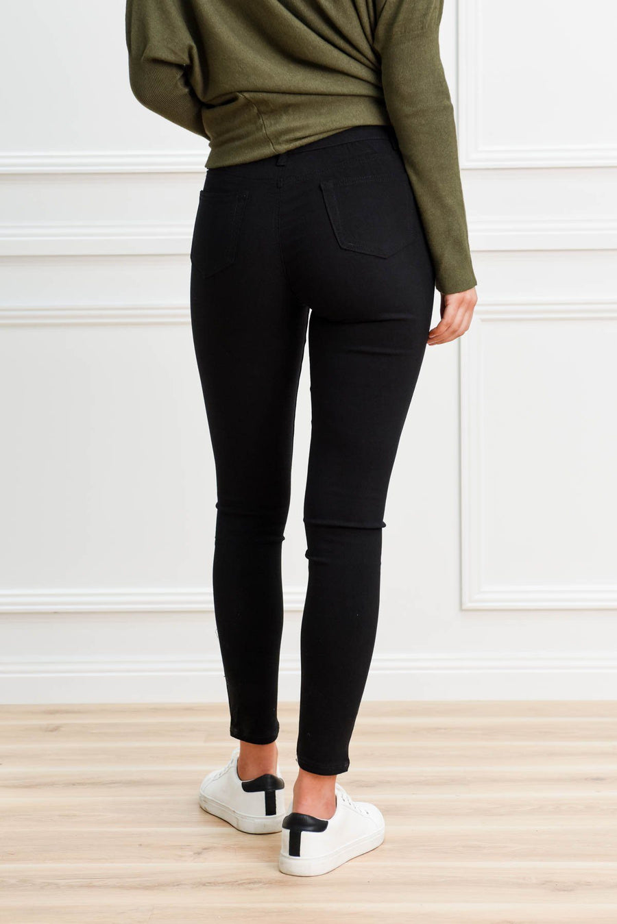Kyla Stretch Jeans | Black Jeans Gray Label