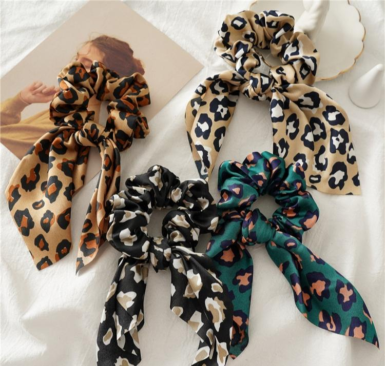 Leopard Bows Scrunchie - Green Scrunchie Linart Designs