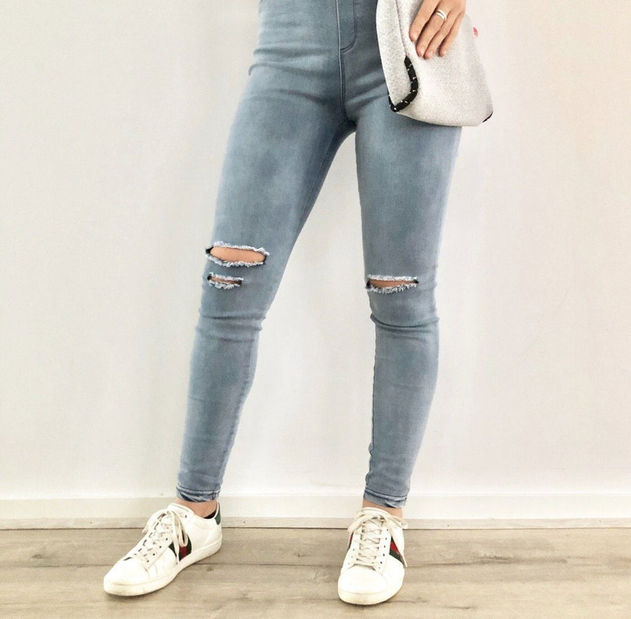Mia Jegging | Distressed Light Denim Jegging Gray.Label