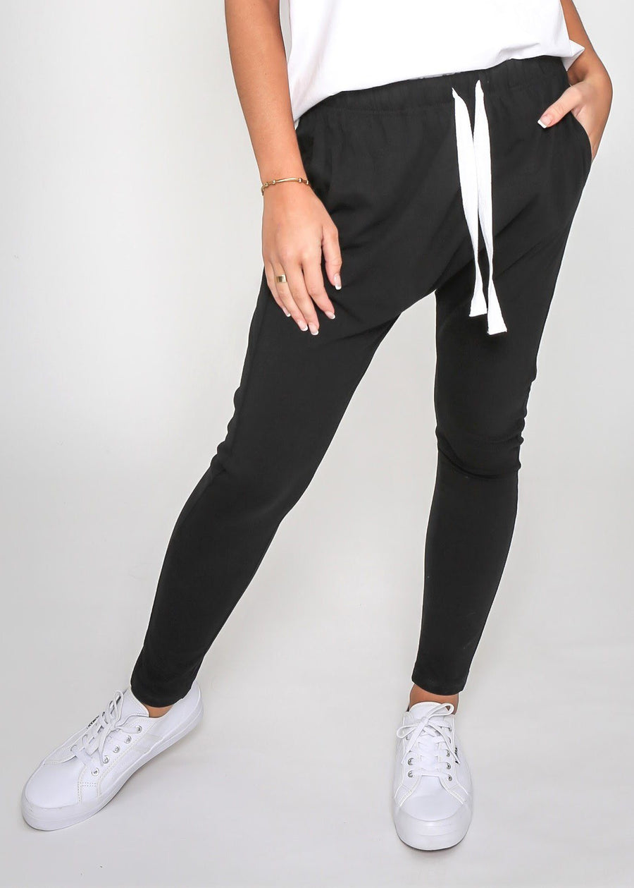 Mila Jogger | Black Joggers Gray Label